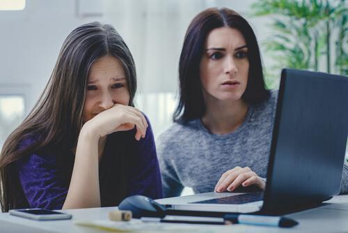 Sexting et Online Grooming : risques de la société numérique