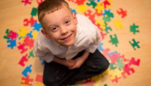 enfant atteint d'autisme