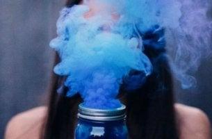fumée bleue