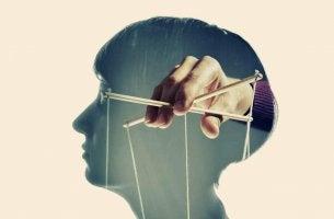 personnes manipulatrices