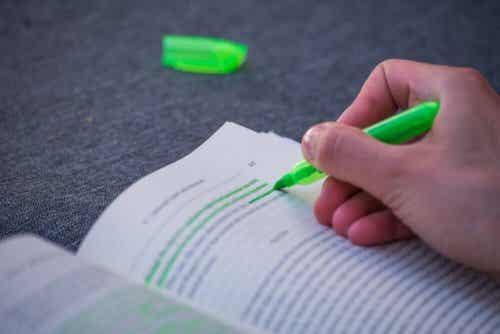 Pourquoi les stylos verts sont-ils moins utilisés?