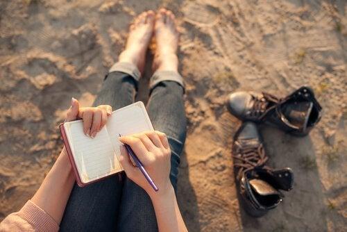 tenir un journal pour lutter contre les pensées négatives