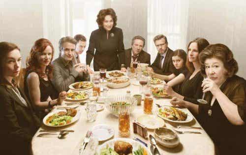 Agosto, le film: des rôles familiaux qui causent des dommages psychologiques