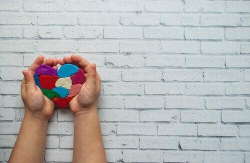 main et coeur
