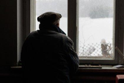 maladies dégénératives : homme souffrant d'Alzheimer