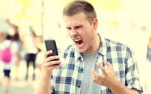 Les adultes aussi ont des coups de colère (crise émotionnelle)