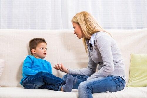 mère et fils : crises de colère