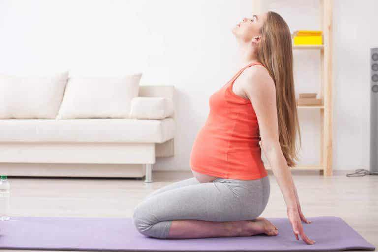 5 exercices de yoga prénatal