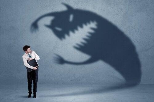 peurs communes représentées par un monstre