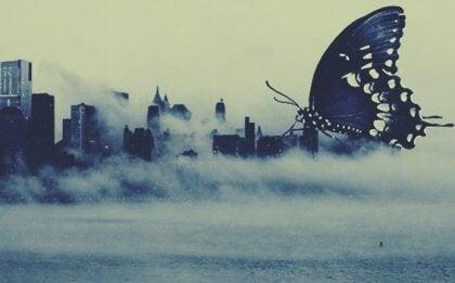 Le biais d'impact : quand l'imagination crée des monstres