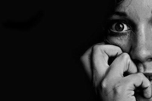 langage corporel de la peur sur le visage