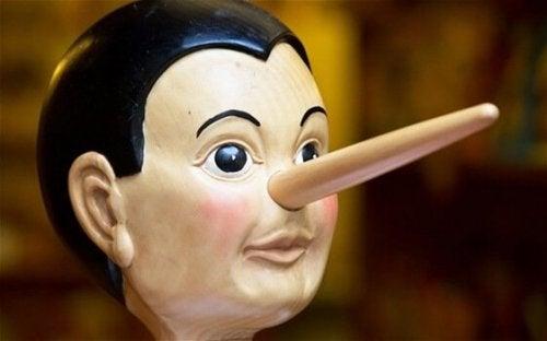 les mensonges