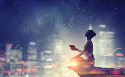 La connexion entre physique quantique et spiritualité selon le Dalaï-Lama