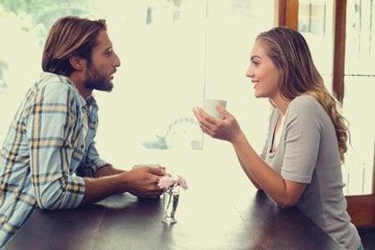 Les bonnes conversations nous apportent du bonheur