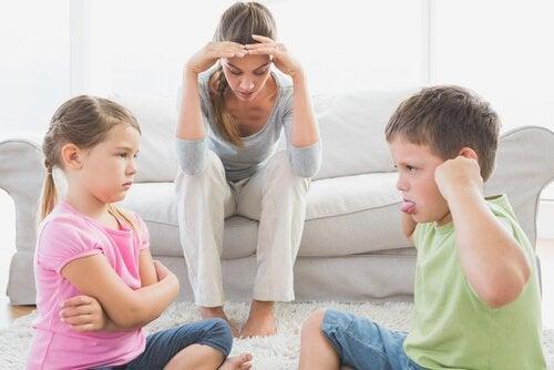 Un parent face aux problèmes de comportement des enfants