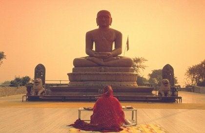 Les cinq préceptes de l'éthique bouddhiste