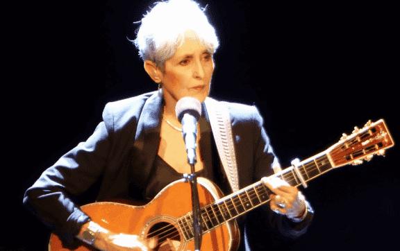 Joan Báez, biographie d'une chanteuse et activiste sociale