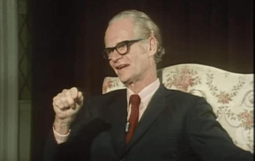 Skinner parlant du conditionnement opérant