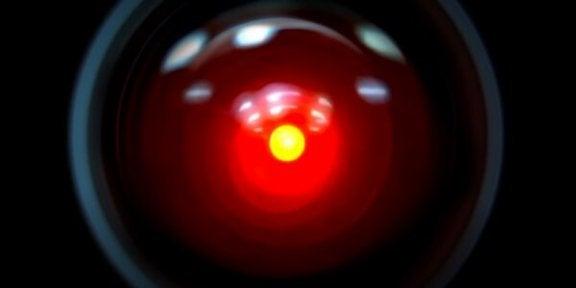 HAL 9000 : intelligence et évolution