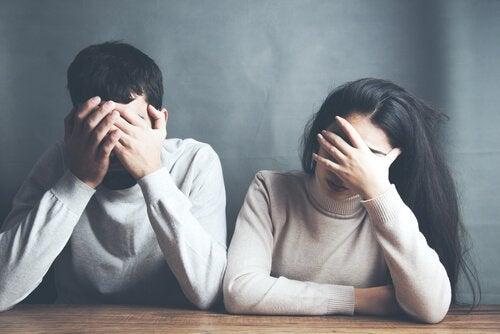 couple triste