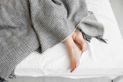 Syndrome des jambes sans repos et cortex moteur : quelle est leur relation ?