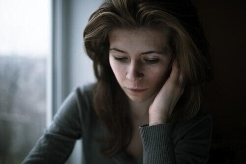 Comment la culpabilité inconsciente se manifeste-t-elle ?