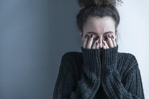 Symptômes positifs et négatifs de la schizophrénie