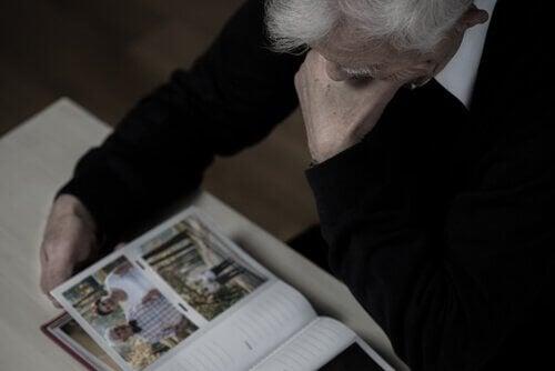 thérapies de lutte contre la maladie d'Alzheimer