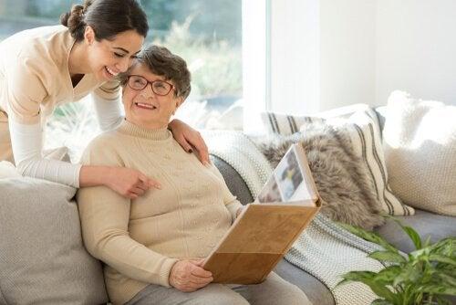 stimulation sensorielle contre la maladie d'Alzheimer