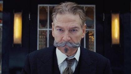 Kenneth Branagh en Hercule Poirot