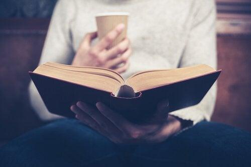 Bénéfices psychologiques de la lecture de biographies