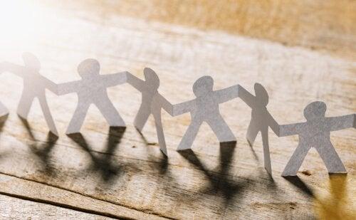 Le psychologue social : rôles et fonctions