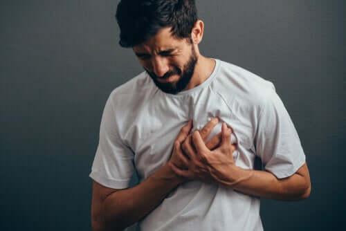 Douleurs dans la poitrine à cause de l'anxiété