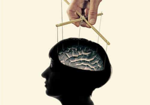 Le lavage de cerveau existe-t-il ou n'est-ce qu'un mythe?