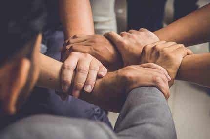 Cercles d'hommes: une pratique bénéfique en plein essor