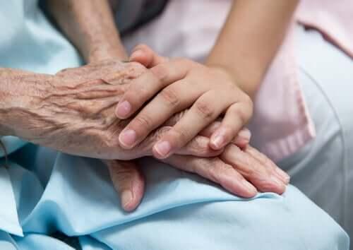 le rôle des soignants en maison de retraite auprès des personnes dépendantes