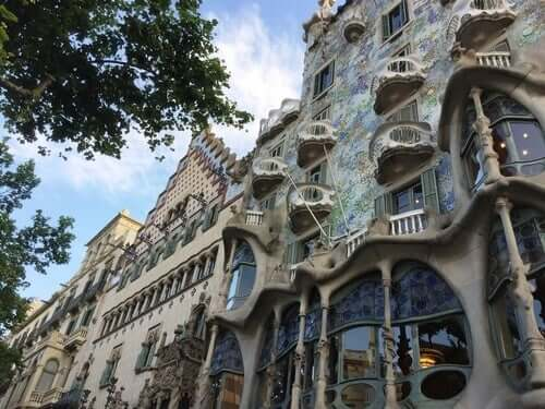 Un bâtiment conçu par Antoni Gaudí