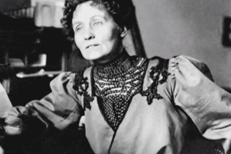Une photo d'Emmeline Pankhurst