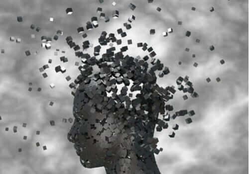 L'esprit d'une personne s'envole en petits cubes noirs