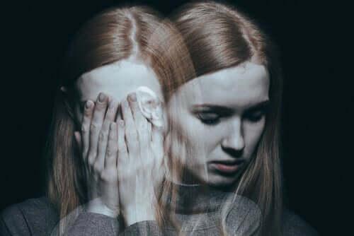 Une fille schizophrène