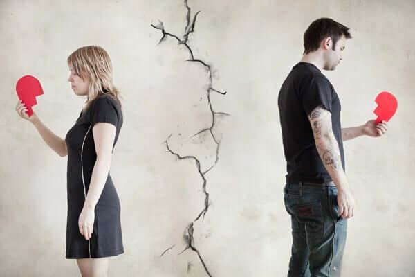 Même après une rupture, il est difficile d'oublier un amour