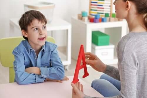 L'enfance et les problèmes spécifiques du langage