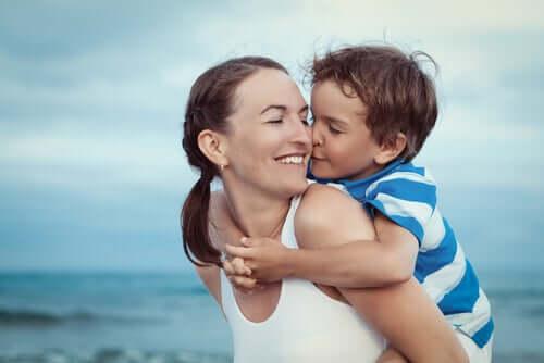 L'amour inconditionnel entre une mère et son enfant