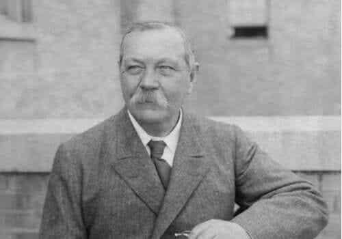 5 citations d'Arthur Conan Doyle