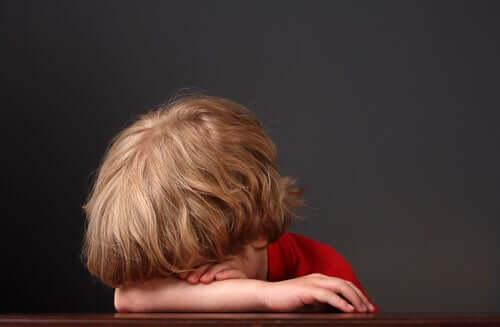 Un enfant triste