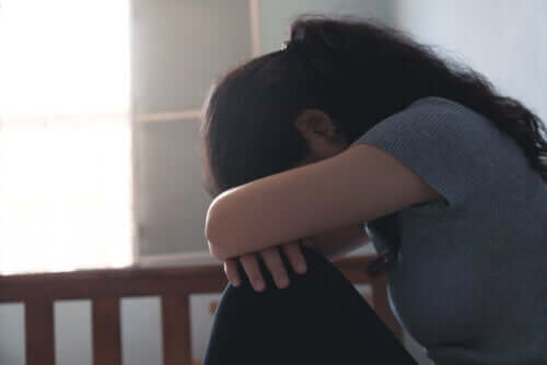 Une femme souffrant de troubles de l'humeur