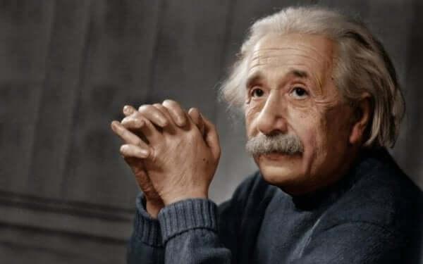 L'autisme à haut niveau de fonctionnement chez Albert Einstein