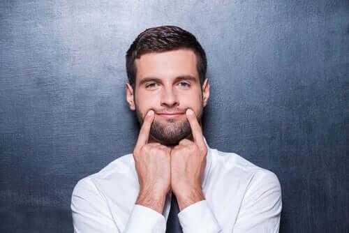 Le sourire faux, ou le langage non verbal qui bloque la communication