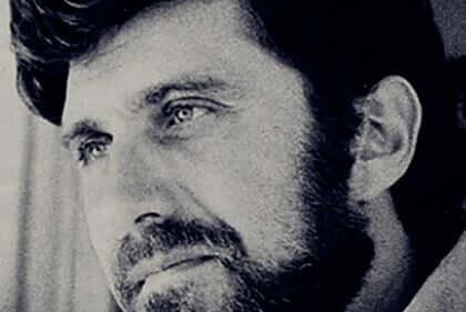 Elliot Aronson, biographie d'un brillant psychologue social