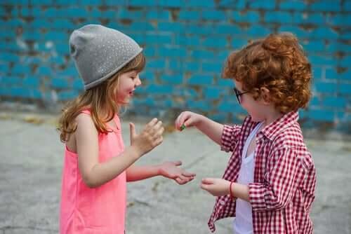 Les émotions chez les enfants, filles comme garçons, sont les mêmes
